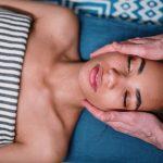 Masaż twarzy – dlaczego warto go wykonywać oraz jakie daje efekty?
